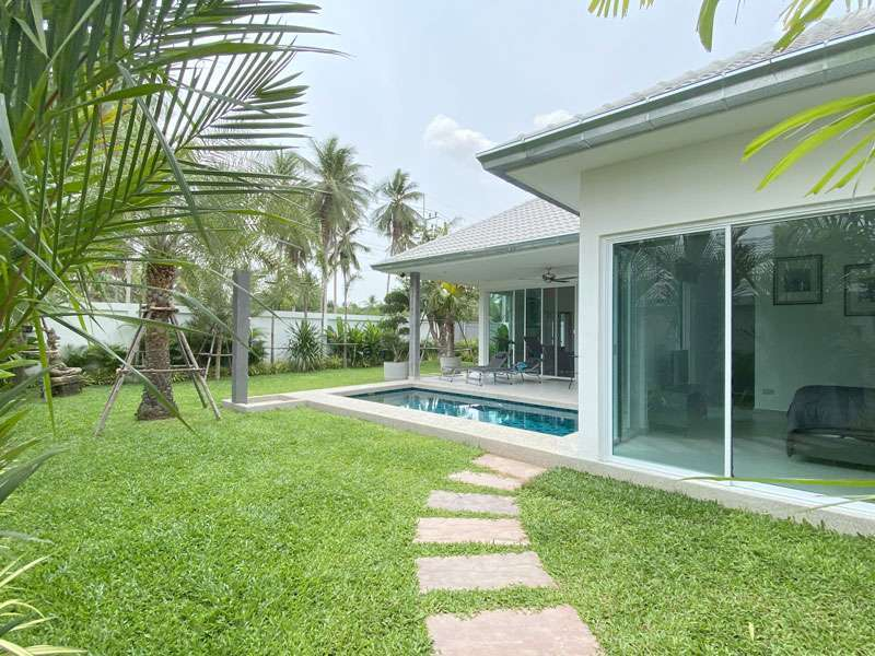 Brand-new boutique 2 bedroom pool home Huai Yai