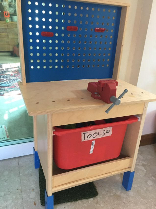 Idea kids work bench and toy tools