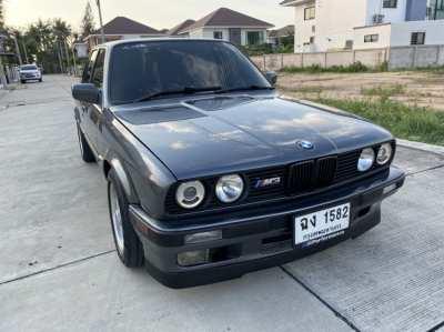 Selling a BMW 3 Series 318i E30 4 door 1991