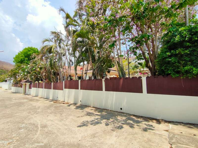 Awesome Deal! 3 BR 2 Bath + Maid's Room on Half Rai Plot Sold As Is