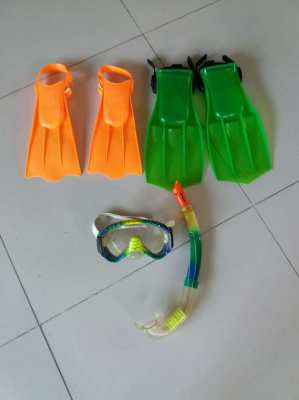 NEW YEAR SALE!  KID'S Snorkeling Gear Fins Mask Snorkel