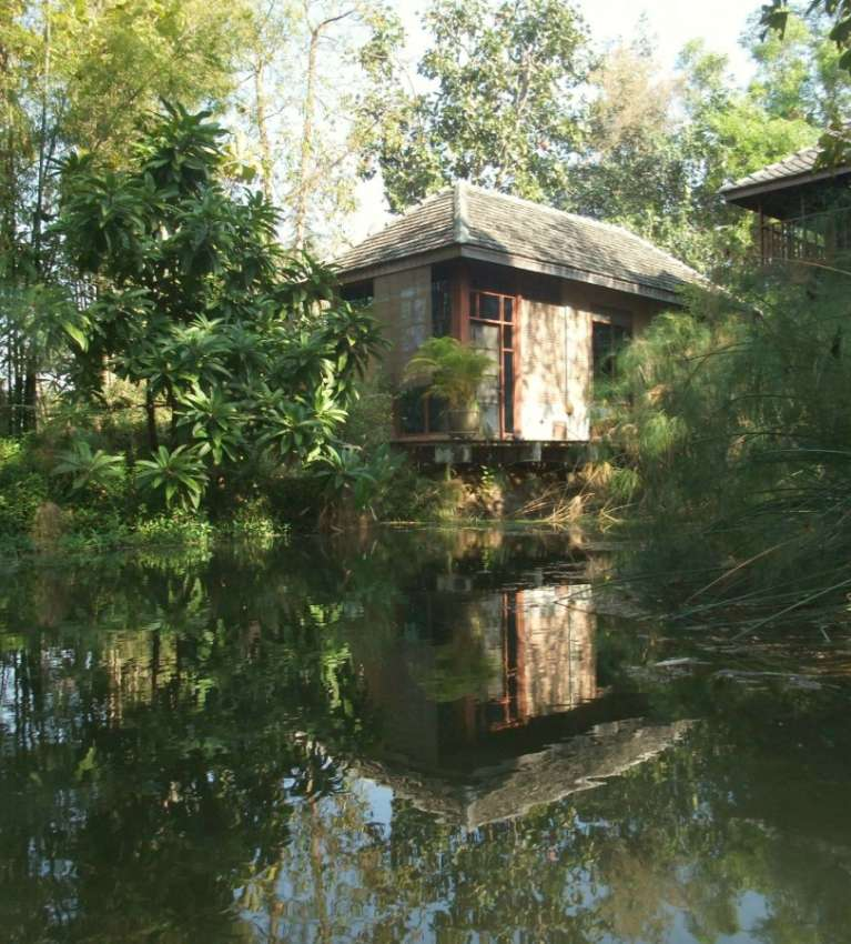 Little Lakeside Bungalow (1 br) in Natural Garden, 10 mi to City
