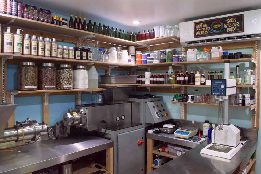 COSMETIC LAB FOR SALE IN THAILAND