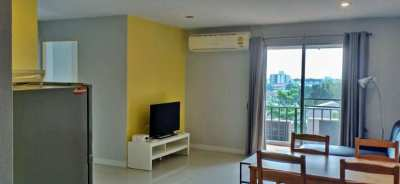 Large 2-Bedroom Unit in a very Quiet Bangkok Neighborhood !