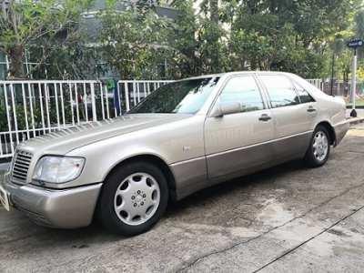 Selling a Mercedes-Benz S500 sedan in 1993.