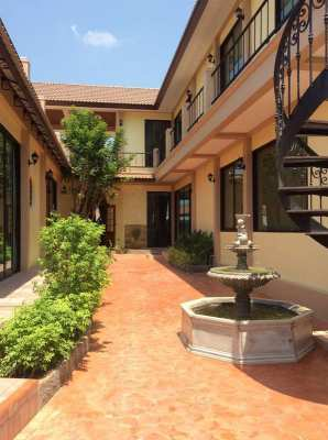 Hot! Reduced Priced  3 BR 4 Bath Villa Less Than 5 Min to BluPort Mall