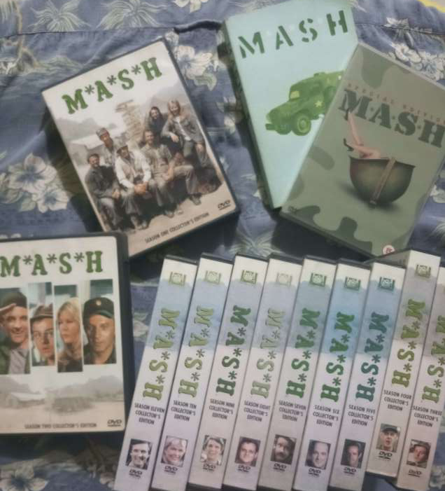 M*A*S*H    Complete 11 series + Film + Book!