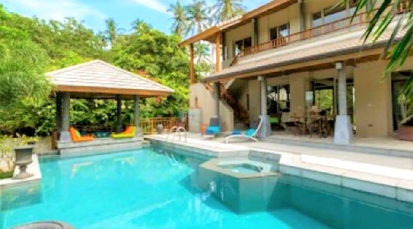 For sale 4 bedrooms pool villa in Maenam Koh Samui