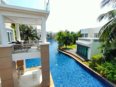 Furnished Poolside 2 BR 2 Bath Luxury Condo in Premeir Development