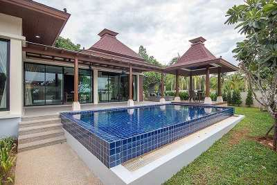 For rent Pool villa at 5 min from the beach