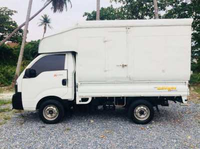 Truck for Monthly Rent -Mid Size 4 Wheels High Roof