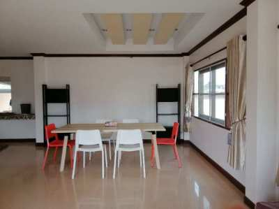 Newly renovated 2storey house with fully furnished