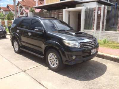TOYOTA FORTUNER 4WD TOP 2013