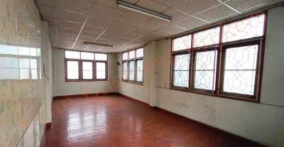 0142031 Shop-houses for Rent in Charoen Krung –Suitable for Guesthouse