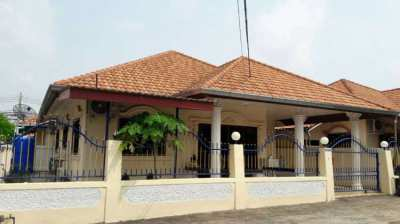 Eakmongkol 8 Village