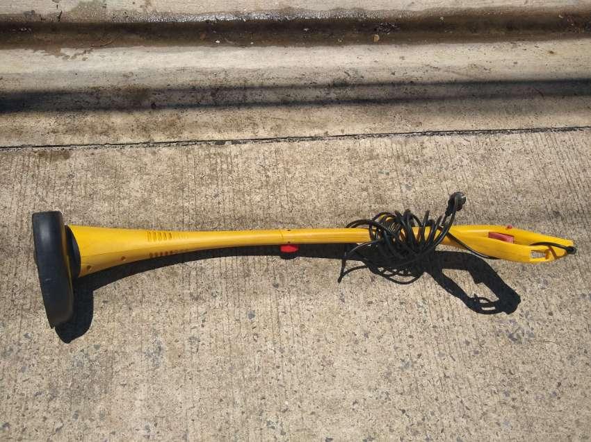 Asgatec RT301 Electric Garden Strimmer Cutter