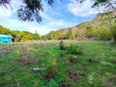 Hot! Mountain View 216 TW Only 400 Meters to Beautiful Beach