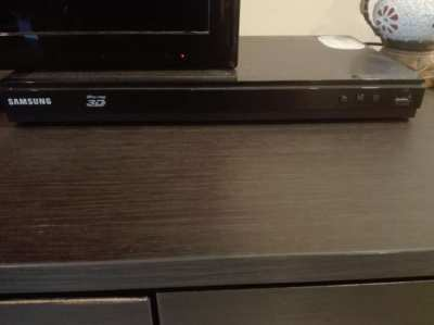 Samsung BD-E5500 3D Bluray DVD Player-Plays all formats and HardDrives