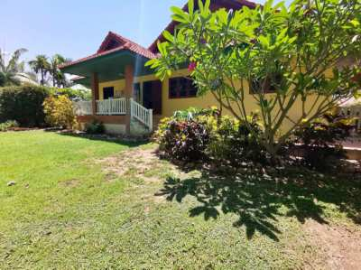 3 bedrooms bungalow on large plot for sale in Doisaket