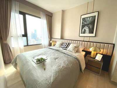 A Nicely Décor Brand New 2 Bed Unit at the New Life One Wireless