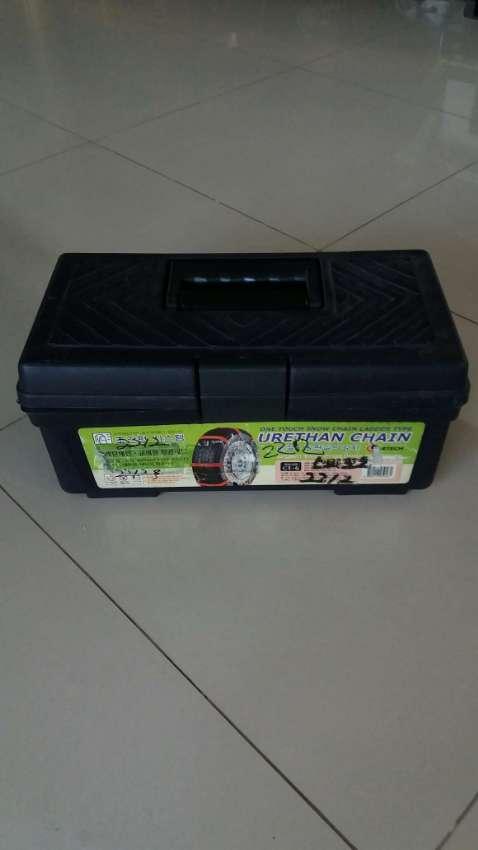 SALE! Tire Urethan Chain-Passenger Cars For Bald Tires & Rainy Season