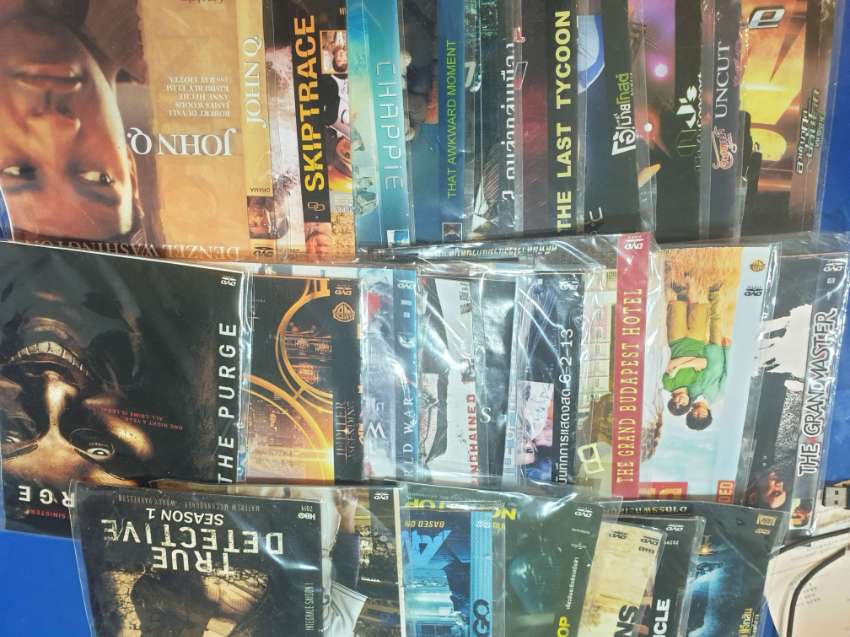 DVDS FOR SALE - MOVING - ENGLISH - PERFECT STAYING INDOORS