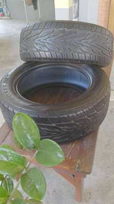 2 TOYO Tires 275 55R 20 -117V