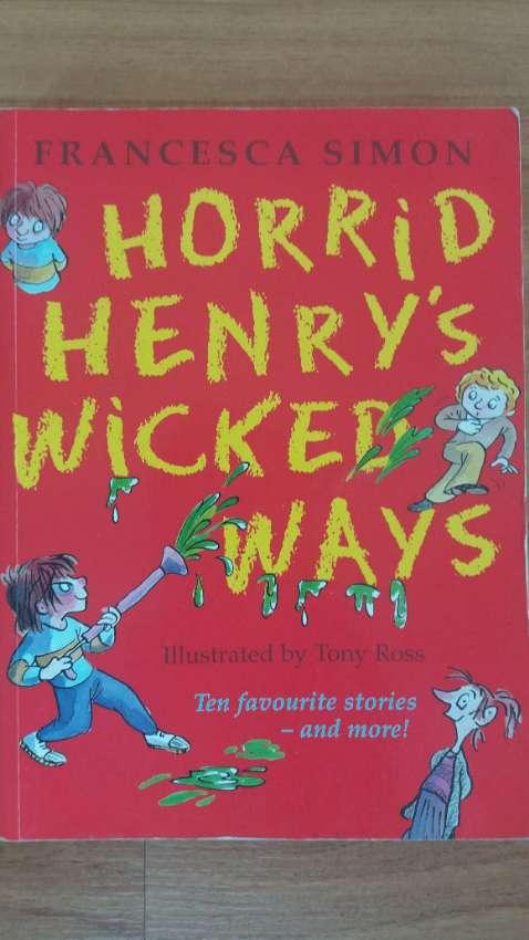 Horrid Henry's -12 Favorite Stories & More