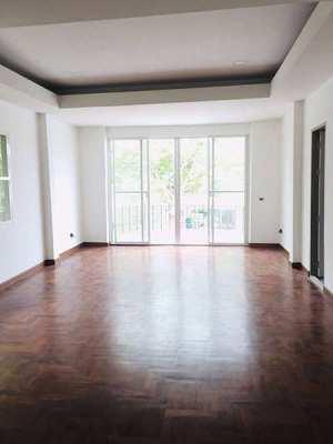 URGENT (!) (!) (!) Mega SALE  House near BTS  Suan Luang Rama IX