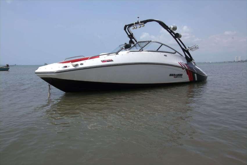 Seadoo Wake 230 (510 HP, Twin Superchargers (**Reduced**) TS 109 KPH