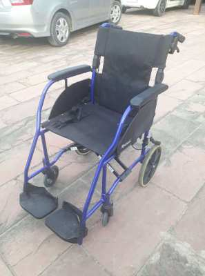 2 Wheelchairs For rent