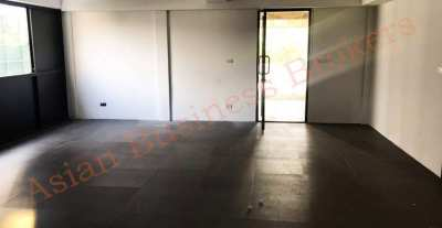 0149066 Double – Unit Building Near BTS Phom Phong For Freehold Sale