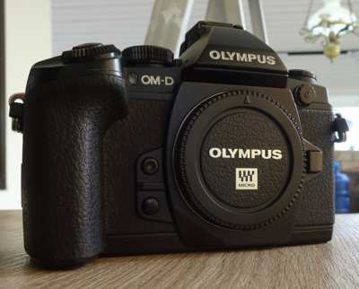 OLYMPUS OMD - EM1 CAMERA WITH OLYMPUS 12-40 f2.8 PRO LENS