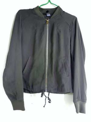HM bomber XS olive green. Wrong size, tried once and never worn then
