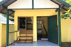 CONVENIENT, COMPACT, COZY CABIN for YEARLY RENTAL.  1n 299B .1w 1990B