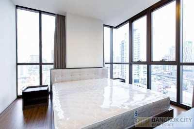 The Line 71 Luxury Condo 2 Bedroom Corner Unit for Rent - Hot Price