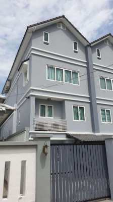 BAN AMPUR -  ATTACHED SPACIOUS 4 STOREY HOUSE