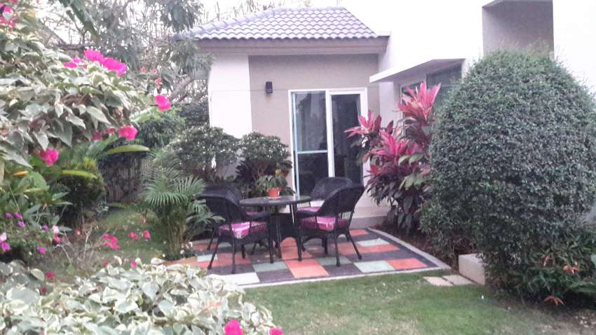 Upscale neighborhood, gated community, great location, 3-4 bdrms.