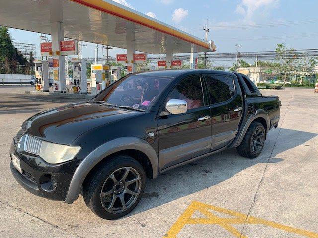 REDUCED EVEN MORE >> QUICK SALE! Mitsubishi Triton pickup truck (2006)