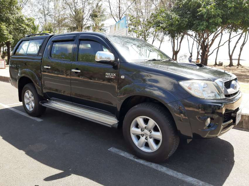toyota hilux vigo  pick up trucks for sale  phuket