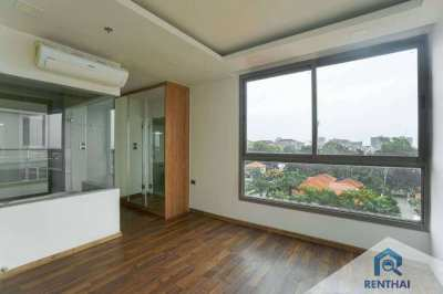 Condo 2 beds. 82 sq.m for sale in The Peak Towers condominium