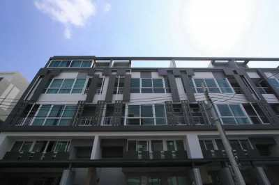 FOR SALE TOWNHOME SPACE LADPRAO-MENGJAI / 3 beds 3 baths / **13.2 MB**