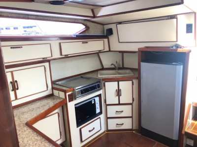 For sale - Sea Ray 390 express cruiser