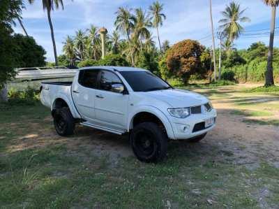 Mitsubishi Triton 2.5 VN Turbo Automatic 2012