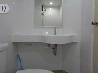 Condo for rent at Lumpini Wong Amart
