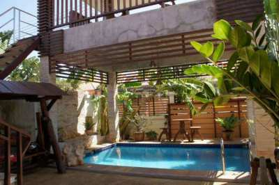 Lovely house with pool for rent