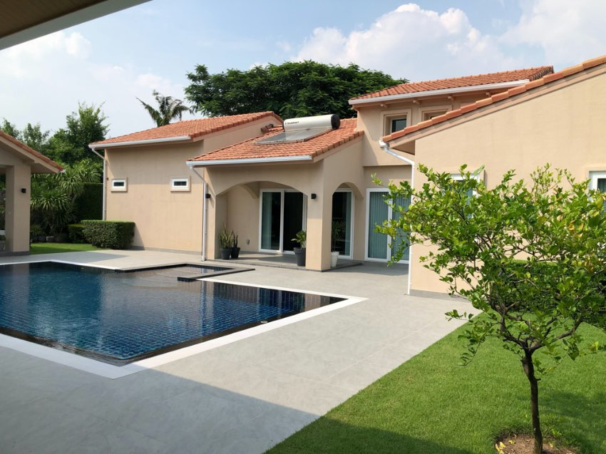✅ REDUCED  from 23Mil ✅ High Quality Pool Villa, Great Location.