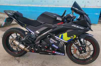 YAMAHA R-15  MANY EXTRAS = PERFECT CONDITION