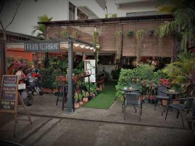 EXCELLENT popular restaurant for SALE  (1/2 Price)