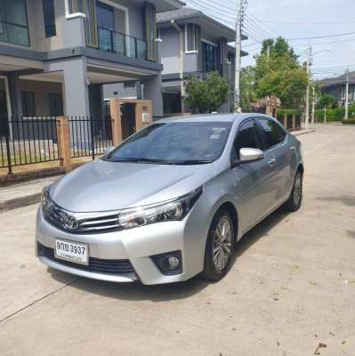 2016 Toyota Altis 1.8v in excellent condition
